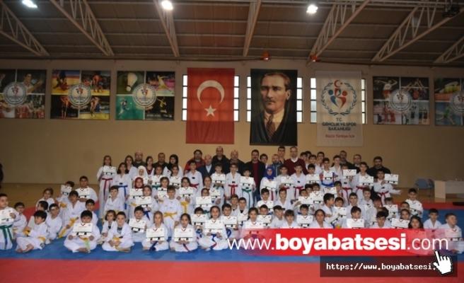 Boyabat Taekwondo Kursu Öğrencilerinden Başarılı Performans