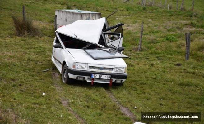Minibüs park halindeki otomobile çarptı: 7 yaralı