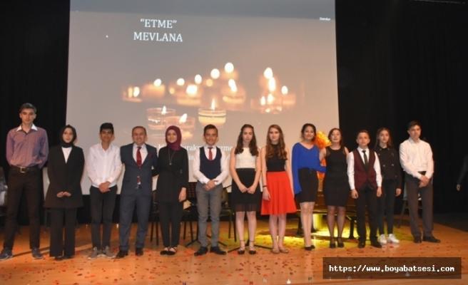 """Şehit Ersoy Gürsü Anadolu Lisesi """"Şiir Dinletisi"""" Gecesi Gerçekleştirdi"""