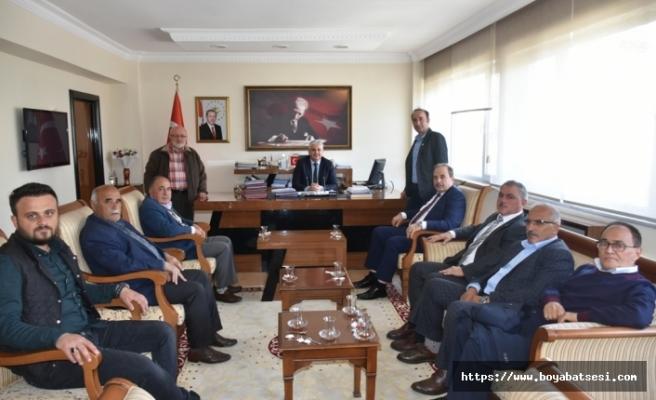 Ziraat Odası Yöneticileri İlçe Kaymakamı Aksoy'u Ziyaret Ettiler