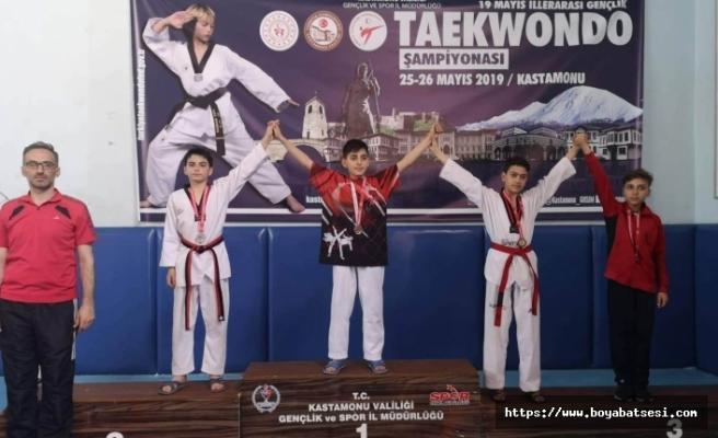 """Boyabatlı Tekvandocular """"Türkiye Yıldızlar Taekwondo Şampiyonası"""" İçin Hazırlanıyor"""