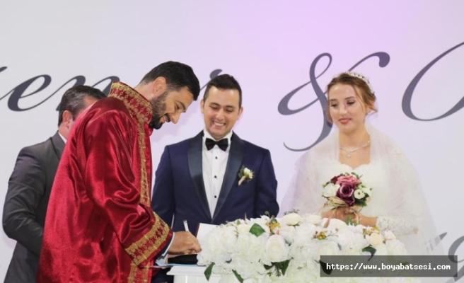 Mehmet Ersoy'un Mutlu Günü Ayşenur ve Burhan Çifti Dünyaevine Girdiler