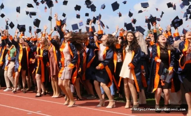 Sinop Üniversitesinde mezuniyet coşkusu