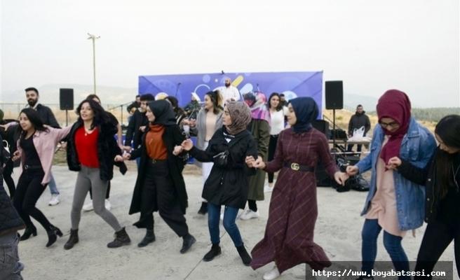 Boyabat'ta, öğrenciler doyasıya eğlendi