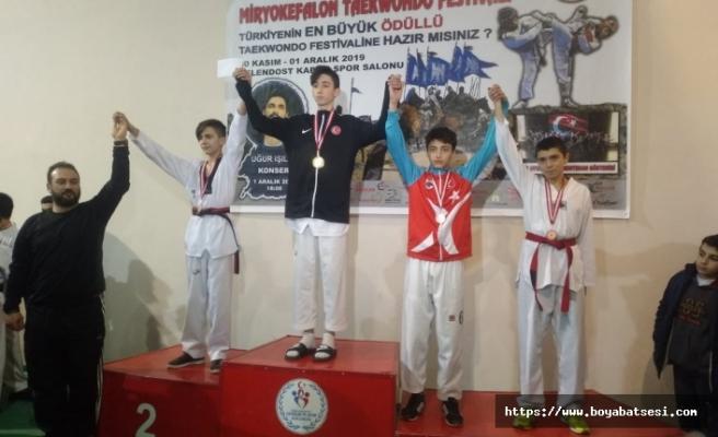 Boyabatlı Tekvandocular 4 Altın 3 Bronz Madalya Kazandılar