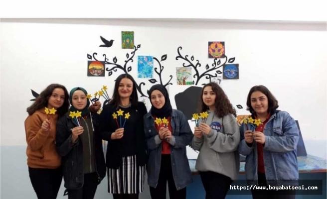 """Şehit Ersoy Gürsu Anadolu Lisesinden """"Çocukluğumdan Geleceğime"""" projesi"""