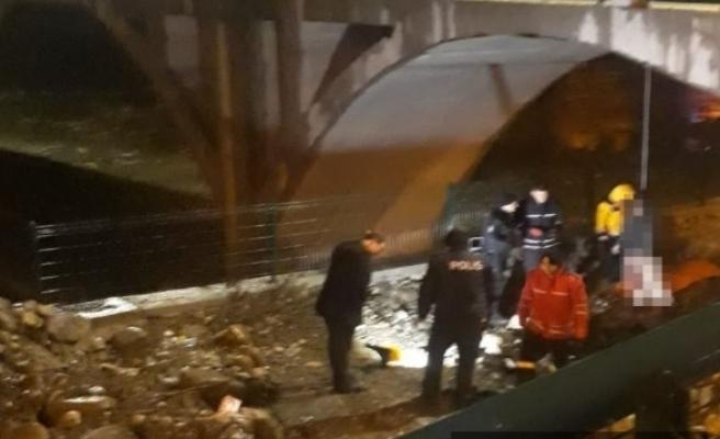 Cesedi köprüde asılı halde bulundu
