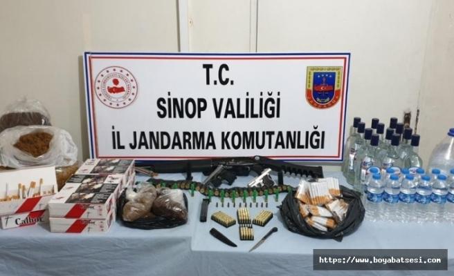 Sinop'ta etil alkol ve kaçak tütün ele geçirildi