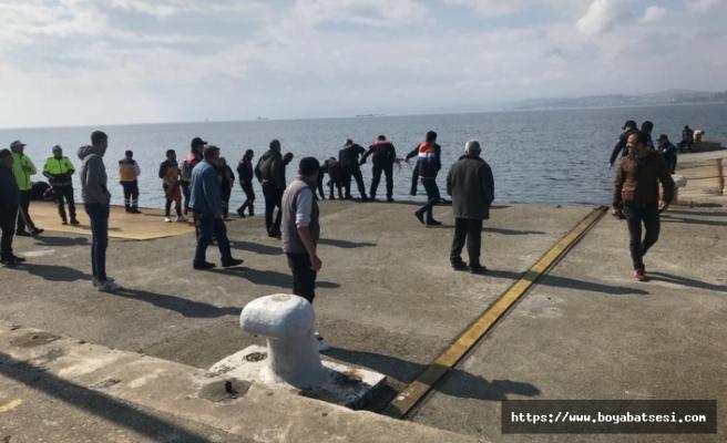 Sinop'ta intihar etmek isteyen kadın denize atladı