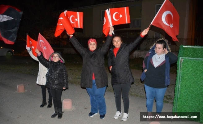 Sinop'ta şehitler için sokağa döküldü