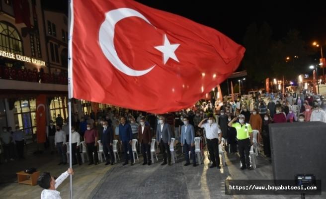 """""""15 Temmuz Demokrasi ve Milli Birlik Günü"""" etkinlikleri gece boyu devam etti"""