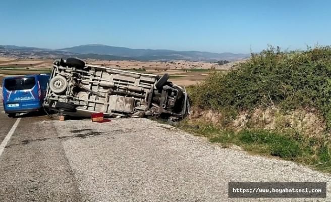 Durağan Vezirköprü yolunda minibüs ile kamyon çarpıştı: 1 ölü, 6 yaralı