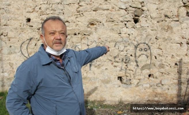 2 bin 500 yıllık tarihi surlara saygısızlık !