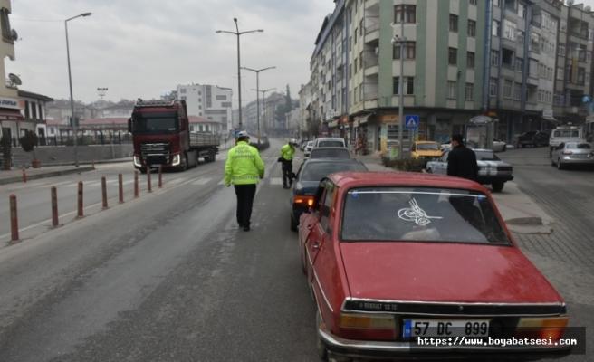 Boyabat halkı sokağa çıkma kısıtlamalarına tam uyum sağlıyor