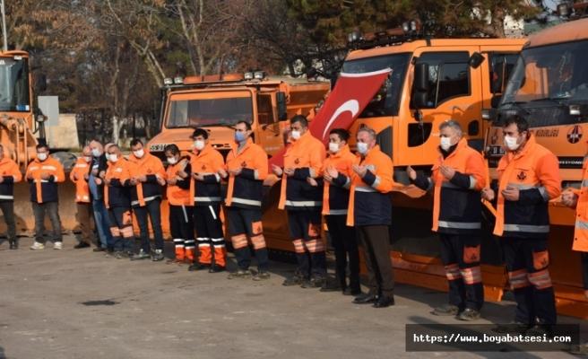 Boyabat Karayolları ekiplerinin kar mesaisi başladı