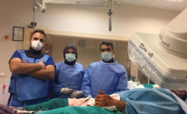 Kastamonu'da el üstünden müdahale iletıkalı kalp damarı açıldı