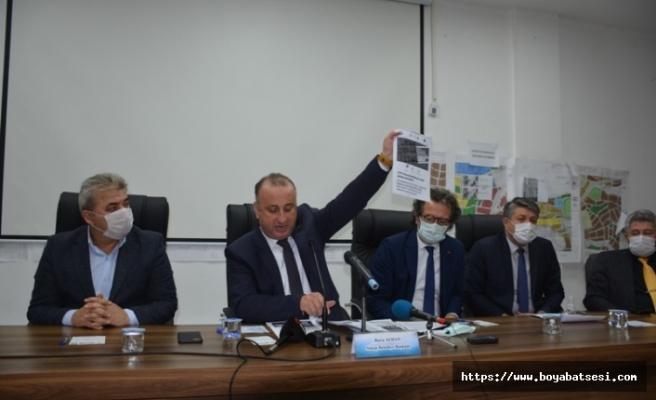 """Başkan Ayhan: """"Belediyeyi itibarsızlaştırmak için çalışma arkadaşlarım hedef alındı"""""""