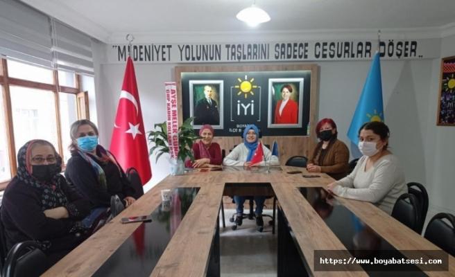 CHP BoyabatKadın kollarından İYİ Parti Kadın kollarına hayırlı olsun ziyareti.