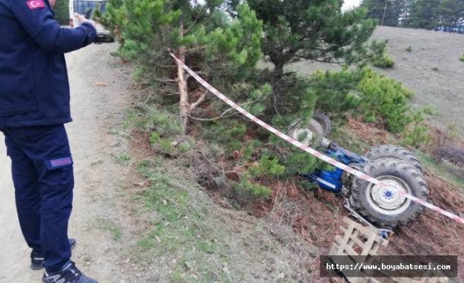 16 yaşındaki genç devrilen traktörün altında kaldı