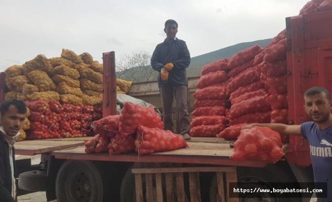 Durağan'da ihtiyaç sahiplerine soğan ve patates dağıtımı başladı