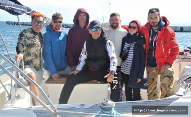 Seyahat kısıtlamasına rağmen sezonun ilk Rus turistleri Sinop'a geldi