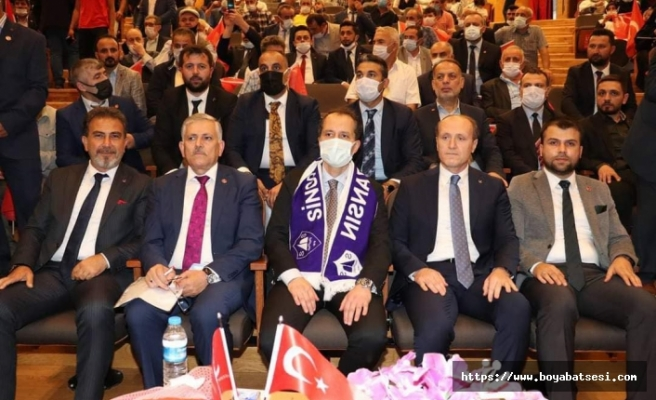 Yeniden Refah Partisi Genel Başkanı Erbakan Sinop'ta