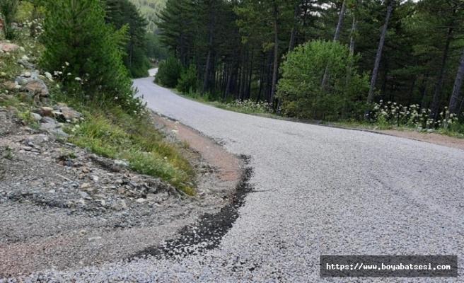 Boyabat'ta köy yolları asfatlanıyor