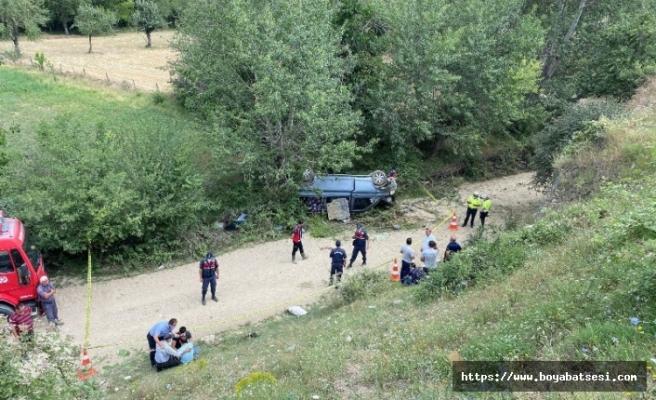 İşçileri taşıyan minibüs uçuruma yuvarlandı: 1 ölü, 8 yaralı