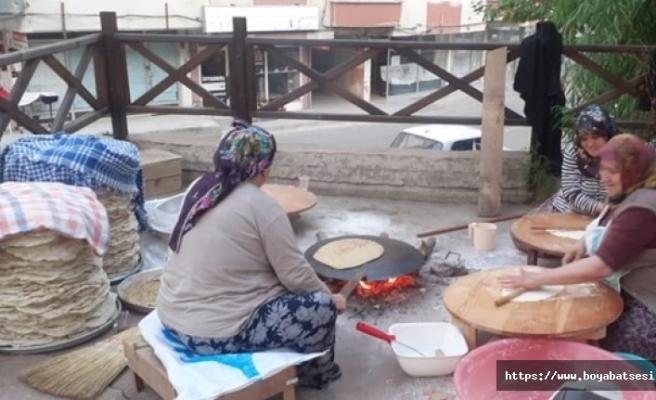 Boyabat'ta kadınların ekmek mesaisi başladı