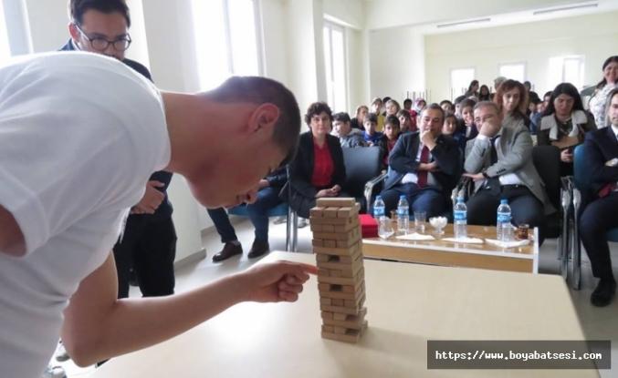 Özel Öğrenciler Jenga Takım Yarışması Düzenledi.