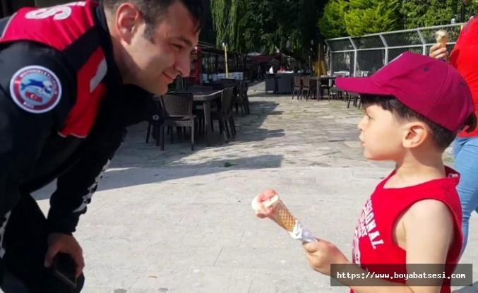 Dondurmacıyı polise şikayet etti