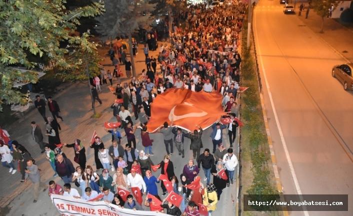 """Boyabat'ta """"Milli Birlik Yürüyüşü"""" Gerçekleştirildi"""