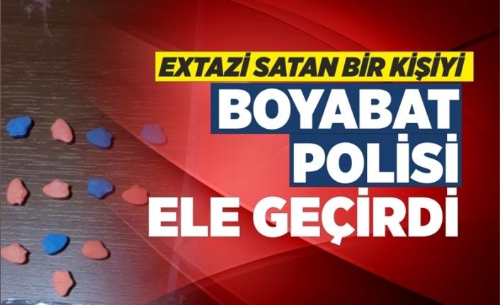 Exstazi Satan Bir Kişiyi Boyabat Polisi Yakaladı