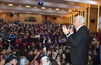 Nihat Hatipoğlu'nun Boyabat İlçesindeki Konferansında İzdiham
