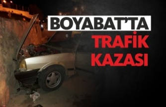 Saraydüzü Yol Ayrımında Trafik Kazası: 2 Yaralı